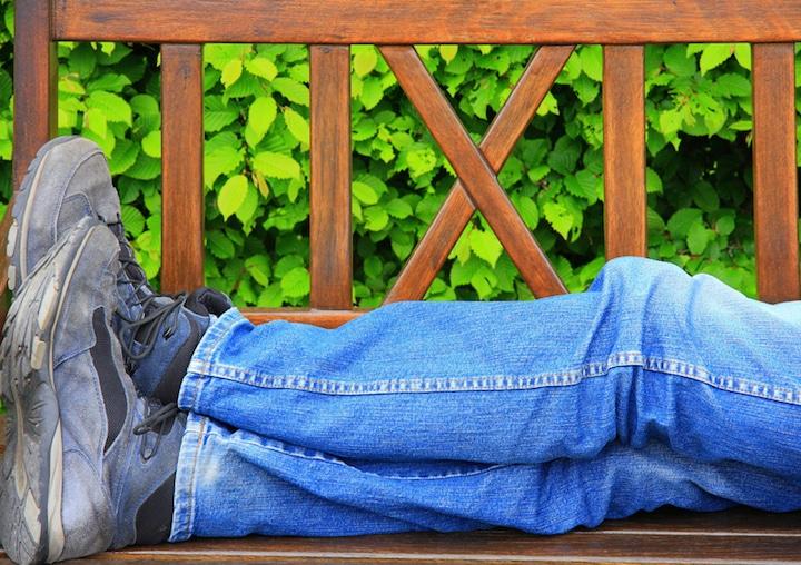 Mittagschlaf im Freien | © panthermedia.net /Jutta Ehrlich