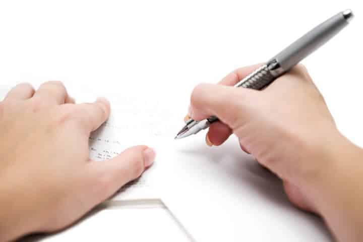 Eine geordnete Umgebung ist wichtig fuer die Hausaufgaben | © panthermedia.net / Marc Dietrich