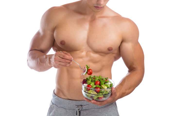 Von Salat schrumpft NICHT der Bizeps | © panthermedia.net / Markus Mainka