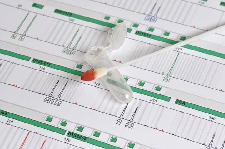 Durchfuehrung eines Vaterschaftstests | © panthermedia.net / Thomas Simon