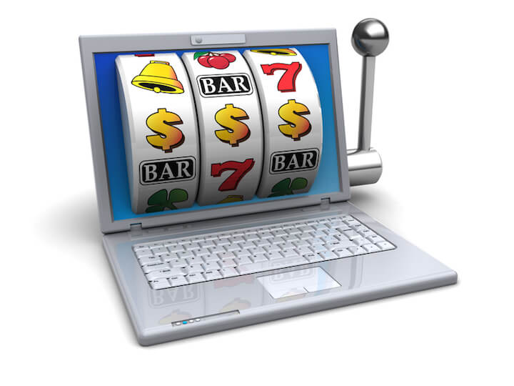 Frauen spielen gerne im Online-Casino | © panthermedia.net / mmaxer