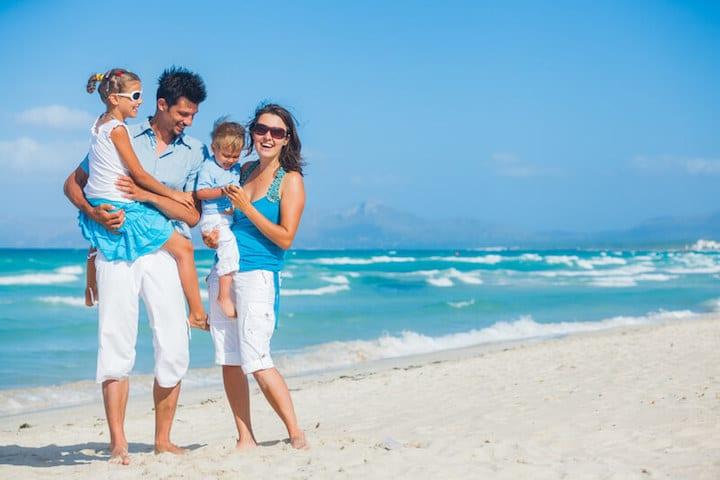 Urlaub mit der ganzen Familie |© panthermedia.net / mac_sim