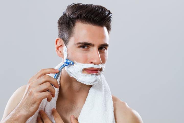 Gesichtspflege nach der Rasur | © panthermedia.net /inesbazdar